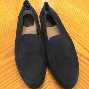 Navy blue leather suede loafers 7M LIKE NEW